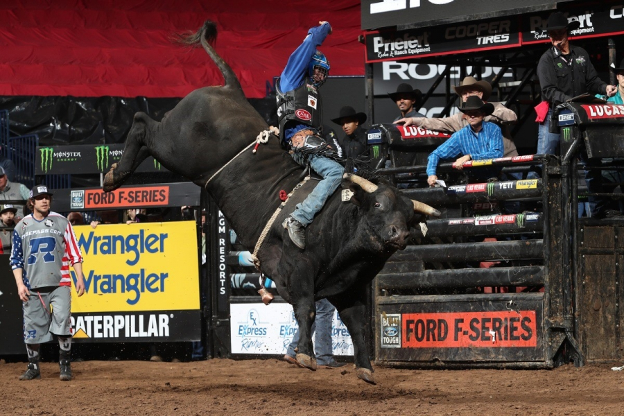 Ryan Dirteater riding Big Black