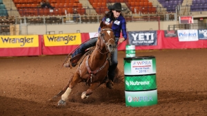 Tillar Murray setting a new arena record inside the Extraco Event Center in Waco