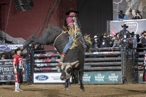 Eleven-Time PBR World Finals Qualifier Valdiron de Oliveira Wins PBR Velocity Tour Event in Casper to Climb 78 Positions in the World Standings